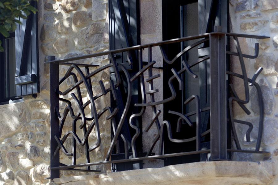 Barandillas y balcones de forja de dise o y tradicional - Adornos de pared de forja ...